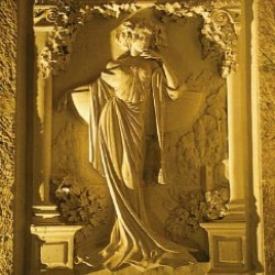 Bas-reliefs en hommage à Louise Pommery