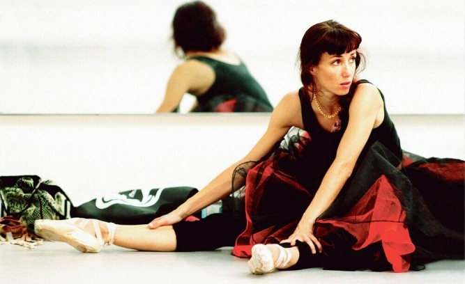 Sylvie Guillem, en 2000, lors des répétitions de Marguerite et Armand , au Royal Opera House de Covent Garden, à Londres.