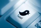 Cent quarante signes : Alain Veinstein poétise Twitter